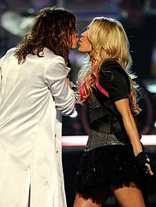 Steven Tyler and Carrie Underwood