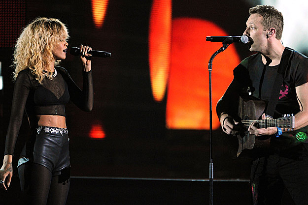 Rihanna-Coldplay grammy performance