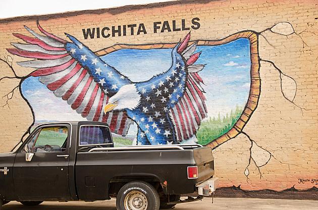 Ralph Stearns american flag eagle Mural Wichita Falls