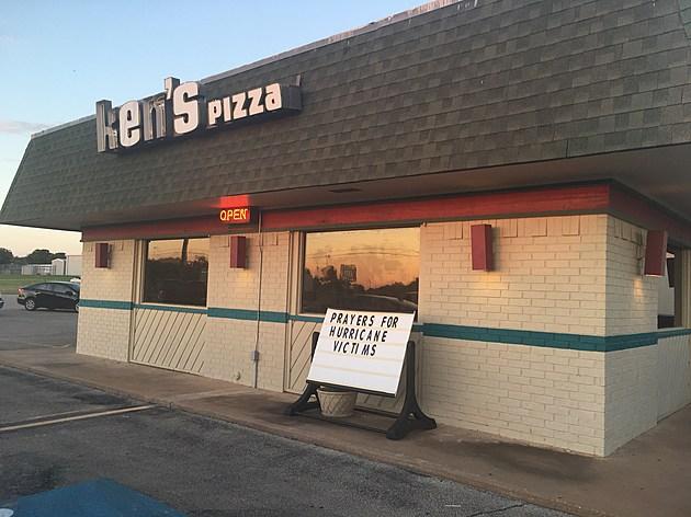Ken's Pizza